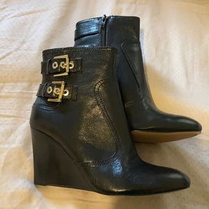 Nine West belted booties NWT